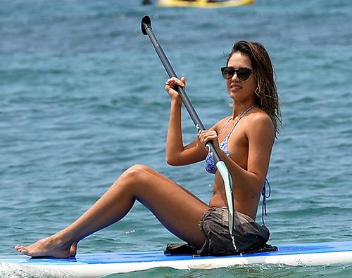 Jessica Alba 2 1 Jessica Alba, prova costume alle Hawaii