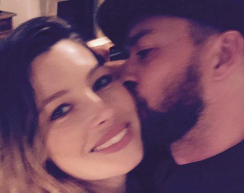 Jessica Biel Justin Tomberlake Justin Timberlake festeggia Jessica Biel su Instagram Ti amo fino alla luna e ritorno!!!