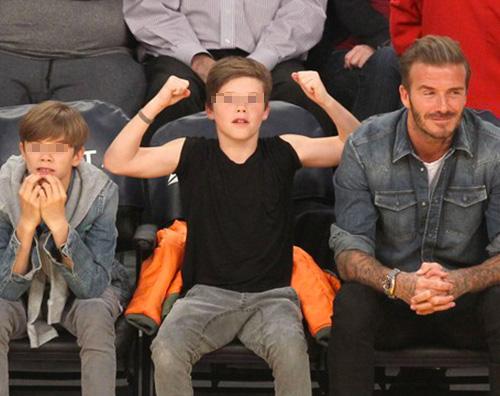 David romeo cruz 2 David Beckham con Romeo e Cruz alla partita dei LA Lakers