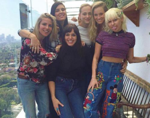 Elsa Pataky Miley Cyrus Miley Cyrus ed Elsa Pataky vere amiche su Instagram