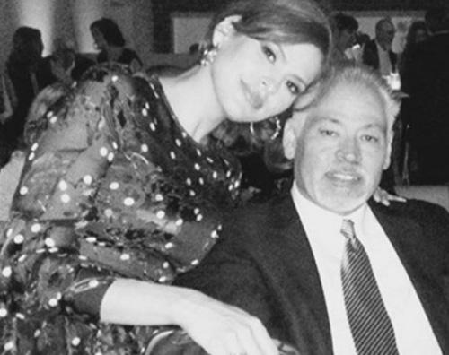 Eva Mendes Eva Mendes ricorda suo fratello Carlos su Instagram dopo la scomparsa