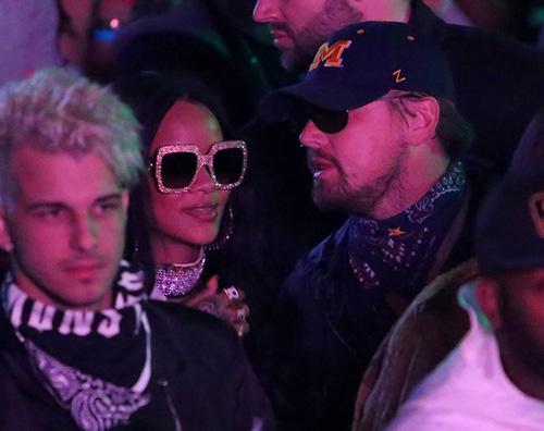 Leonardo DiCaprio Rihanna 2 Leonardo DiCaprio e Rihanna chiacchiere al Coachella