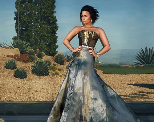 Demi Lovato 2 Demi Lovato sulla cover di Latina Magazine