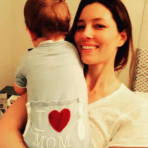 Jessica Biel Justin Timberlake condivide una nuova foto di Silas per la festa della mamma
