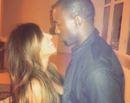 Kim Kardashian 1 Kim e Kanye festeggiano il secondo anniversario di matrimonio