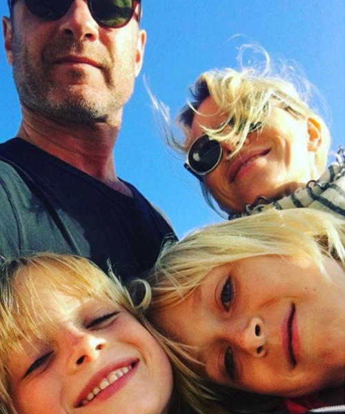 Naomi Watts 2 Naomi Watts, selfie di famiglia