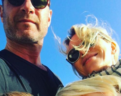 Naomi Watts Naomi Watts, selfie di famiglia