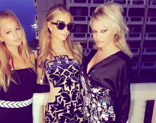 Pamela Anderson Paris Hilton Dylan Lee, il figlio di Pamela Anderson, non ha mai visto Baywatch