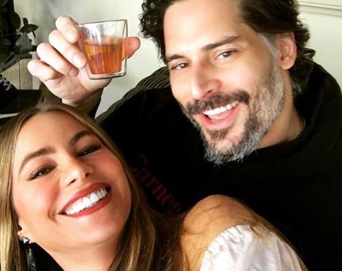 Sofia Vergara Joe Manganiello Sofia Vergara e Joe Manganiello, selfie di coppia dopo l appendicite