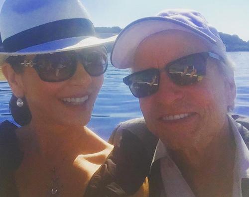 Catherine Zeta Jones Michael Douglas Catherine Zeta Jones e Michael Douglas, vacanza in Europa
