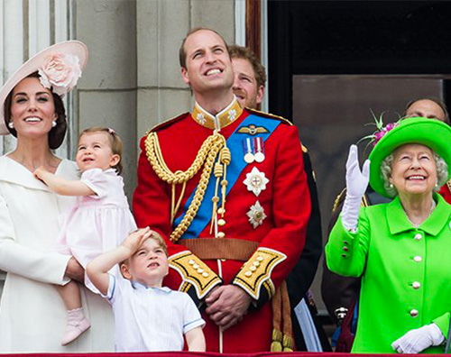 Royal Family Kate e William con i bambini alla parata Trooping The Colour