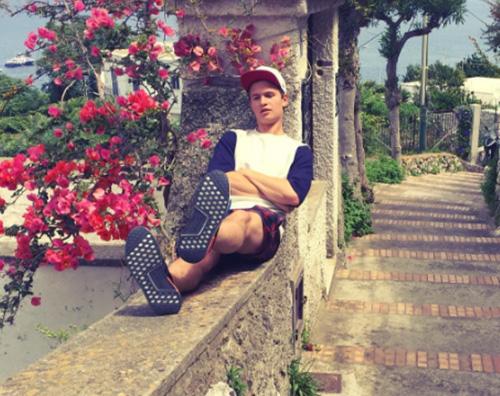 Ansel Elgort Capri Ansel Elgort, vacanze estive in Europa