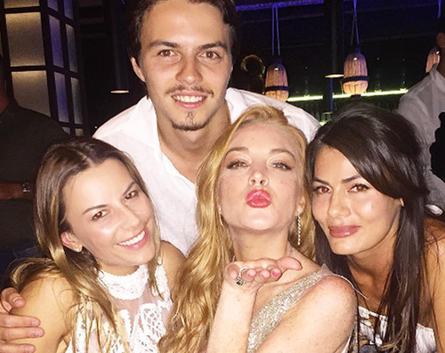 Lindsay Lohan Lindsay Lohan festeggia i 30 anni in Grecia