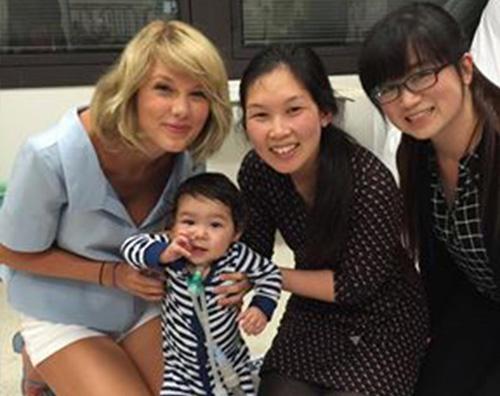 Taylor Swift 1 Taylor Swift fa visita ad un ospedale pediatrico australiano