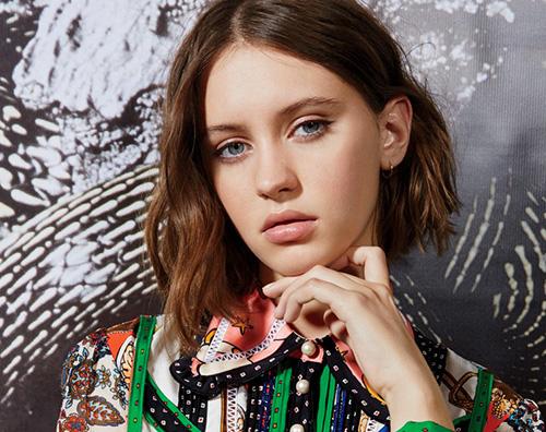 Iris Law Iris Law si racconta su Teen Vogue