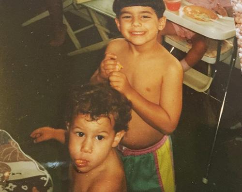 Joe e Nick Jonas Nick Jonas festeggia il compleanno di Joe su Instagram