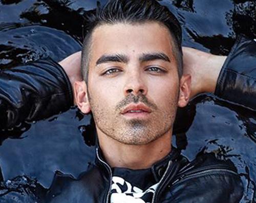 Joe jonas 3 Joe Jonas protagonista di #legend Magazine