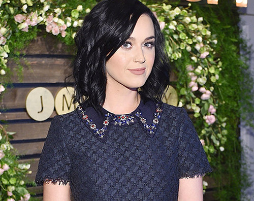 Katy Perry 2 Katy Perry non ha gradito l'abito di Meghan Markle