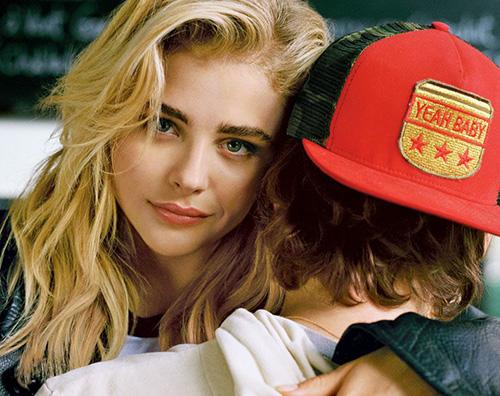 Chloe Moretz Chloe Moretz sulla cover di Teen Vogue col suo ex Brooklyn Beckham