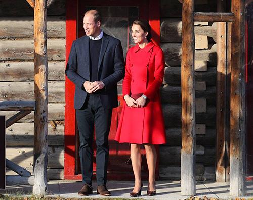 Kate Middleton Kate Middleton sceglie un cappotto rosso in Canada