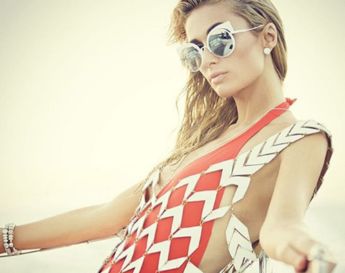 Paris Hilton 2 Paris Hilton è ancora in vacanza