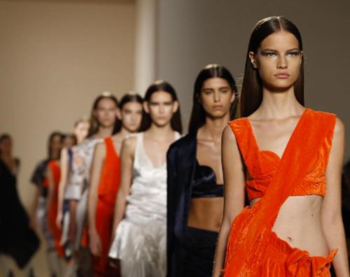 Vicotria Beckham sfilata Victoria Beckham presenta la nuova collezione alla New York Fashion Week