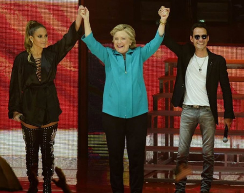 Jennifer Lopez Marc Anthony Jennifer Lopez e Marc Anthony, duetto per Hillary Clinton