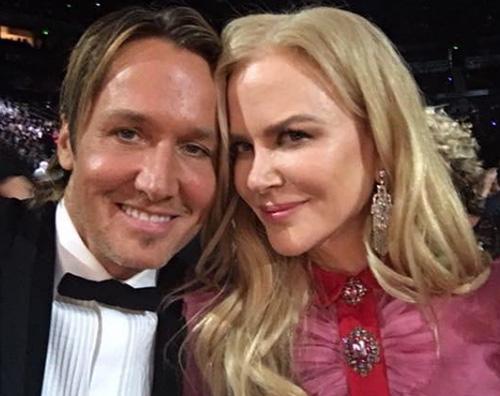 Nicole Kidman Keith Urban Nicole Kidman e Keith Urban, selfie ai CMAs 2016