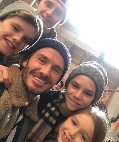 David David Beckham al museo con i quattro figli