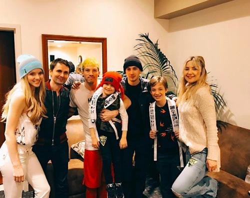 Kate Hudson I figli di Kate Huson incontrano la loro band preferita