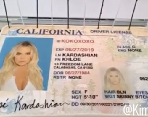 Khloe Khloe Kardashian, dopo il divorzio cancella il cognome Odom dalla carta d' identità