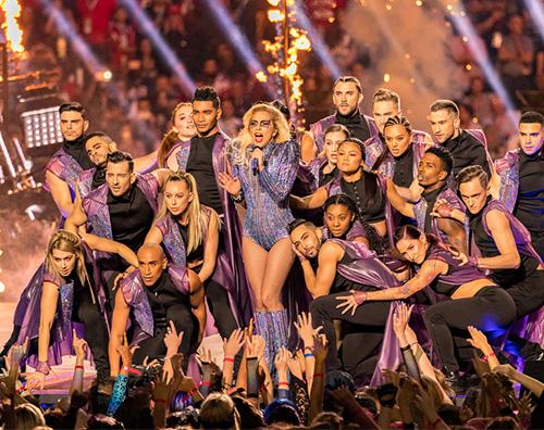 Lady Gaga 2 Lady Gaga reginetta del 51esimo Super Bowl