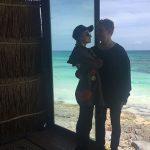 Paris Hilton 1  150x150 Paris Hilton al LAX con Chris Zylka