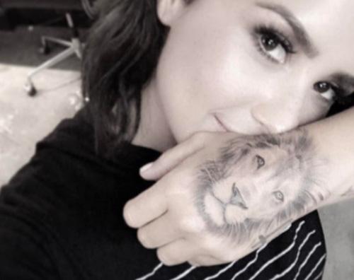 Demi Lovato Il nuovo tatuaggio di Demi Lovato