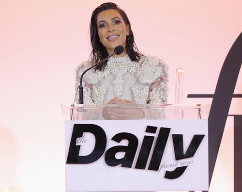 Kim Kardashian 2 Kim Kardashian rompe il silenzio sulla questione del terzo figlio