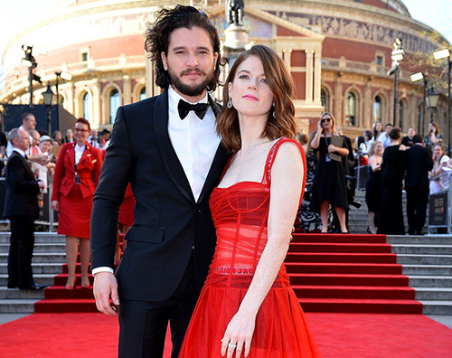 Kit Rose 2 Kit Harington e Rose Leslie, red carpet di coppia