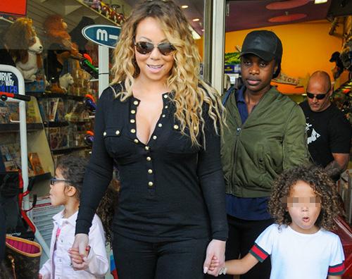 Mariah 2 Mariah Carey porta i bambini in un negozio di giocattoli