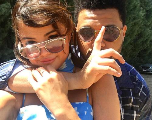 Selena Gomez The Weeknd Selena Gomez, primo selfie con The Weeknd