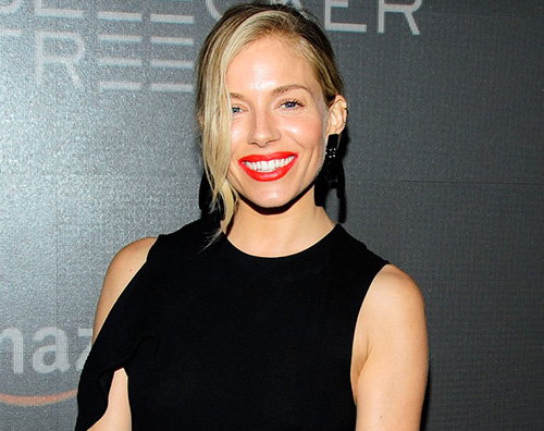 "Sienna Miller 2 Sienna Miller stilosa per ""The Lost City of Z"""