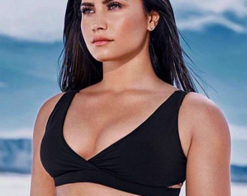 Demi Lovato 2 Demi Lovato glam al LAX