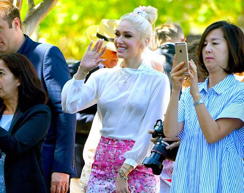 Gwen Stefani 2 Gwen Stefani elegante per la comunione di Kingston