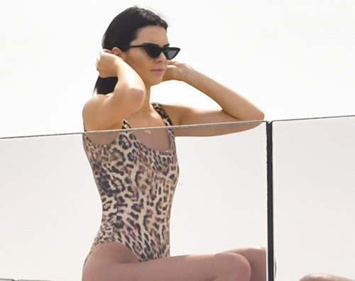Kendall Jenner cannes Kendall e Kourtney si rilassano a Cannes