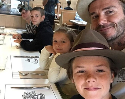 Beckham David Beckham, selfie con i suoi figli
