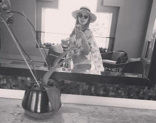 Hilary Duff 1 Selfie allo specchio per Hilary Duff