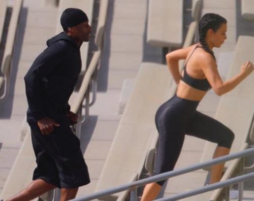 Kim Kardashian Kim Kardashian si allena su Instagram