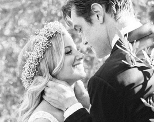 Ashley Tisdale Ashley Tisdale ricorda il suo matrimonio con una dedica speciale
