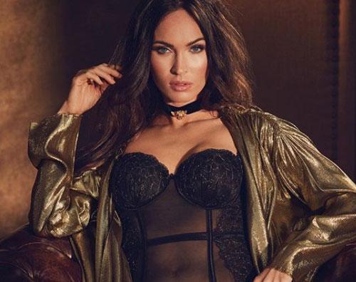 Megan Fox Megan Fox in lingerie sui social