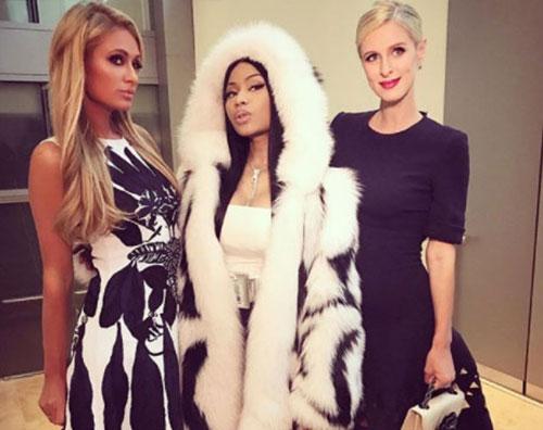 Paris e Nicky 2 Paris e Nicky Hilton si godono la fashion week