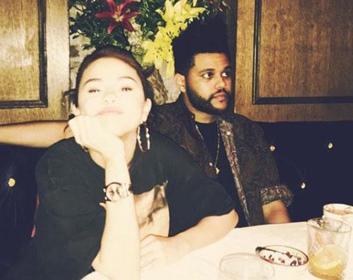 Selena Gomez The Weeknd cancella le foto di Selena su Instagram