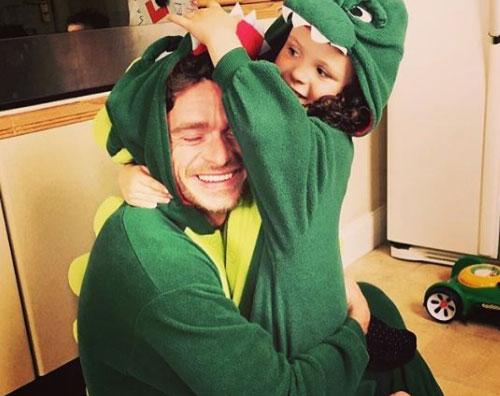 richard madden Richard Madden è un dinosauro su Instagram